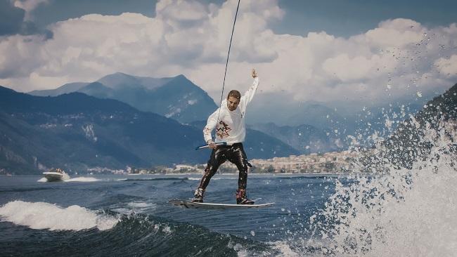 Collini Milano presentaMaking Waves