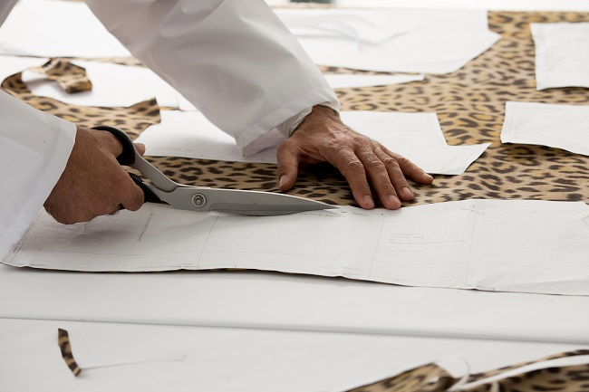 Dior presents theSavoir-Faire of the Leopard-print 'Bar' jacket