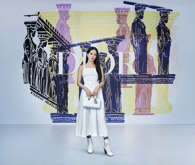 Dior presents the Celebrities at the Cruise 2022 Show