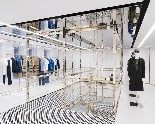 Burberry opens Sloane Street flagship