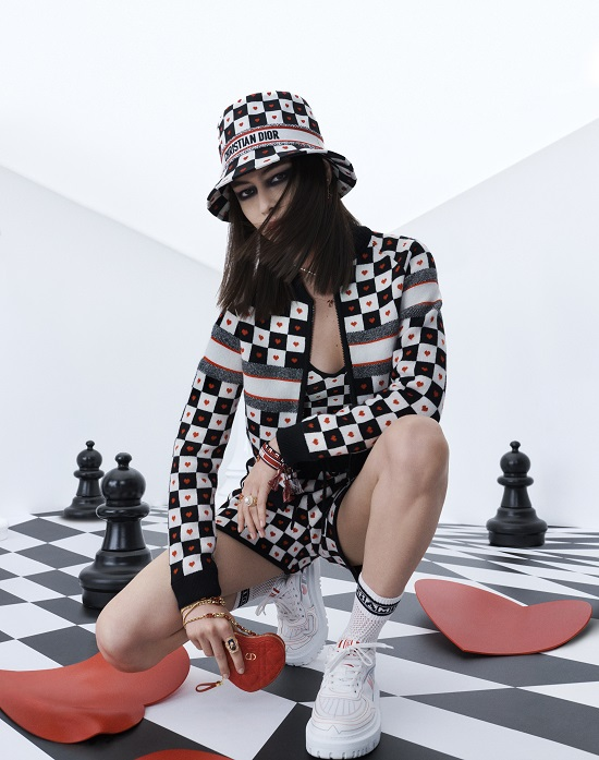 Dioramour capsule collection