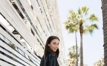Emma Chamberlain interpreta la collezione di calzature Louis Vuitton Autunno-Inverno 2021